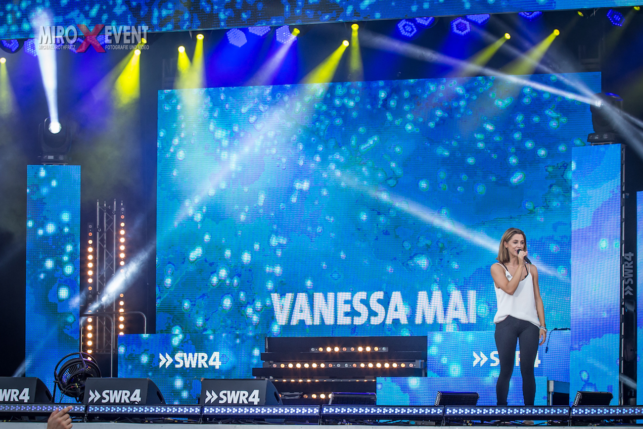 vanessa-may-speyer-10-19